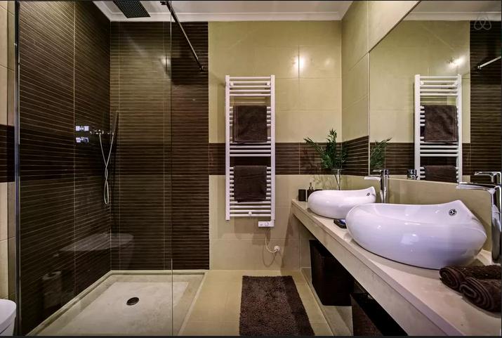 Bathroom Loule